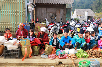 The New Year festival of the Mong in Pa Co, Mai Chau