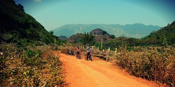 MAI CHAU FULL DAY BIKING TOUR